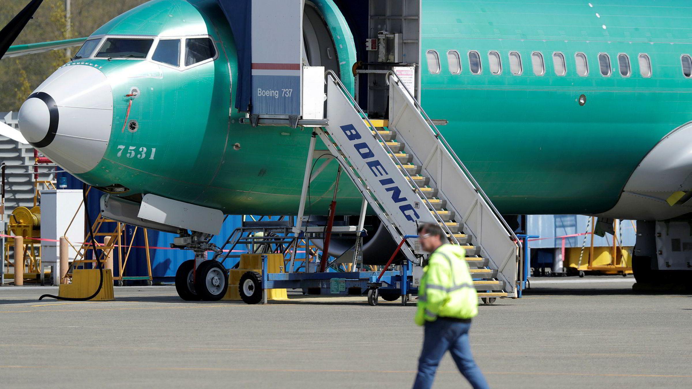 Et passasjerfly av typen Boeing 737 skal ha styrtet like etter avhang i Iran onsdag morgen.