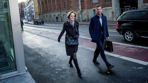 Styreleder i NHST Anette Olsen og nestleder Richard Olav AA på vei inn til NHSTs styremøte i november 2017.