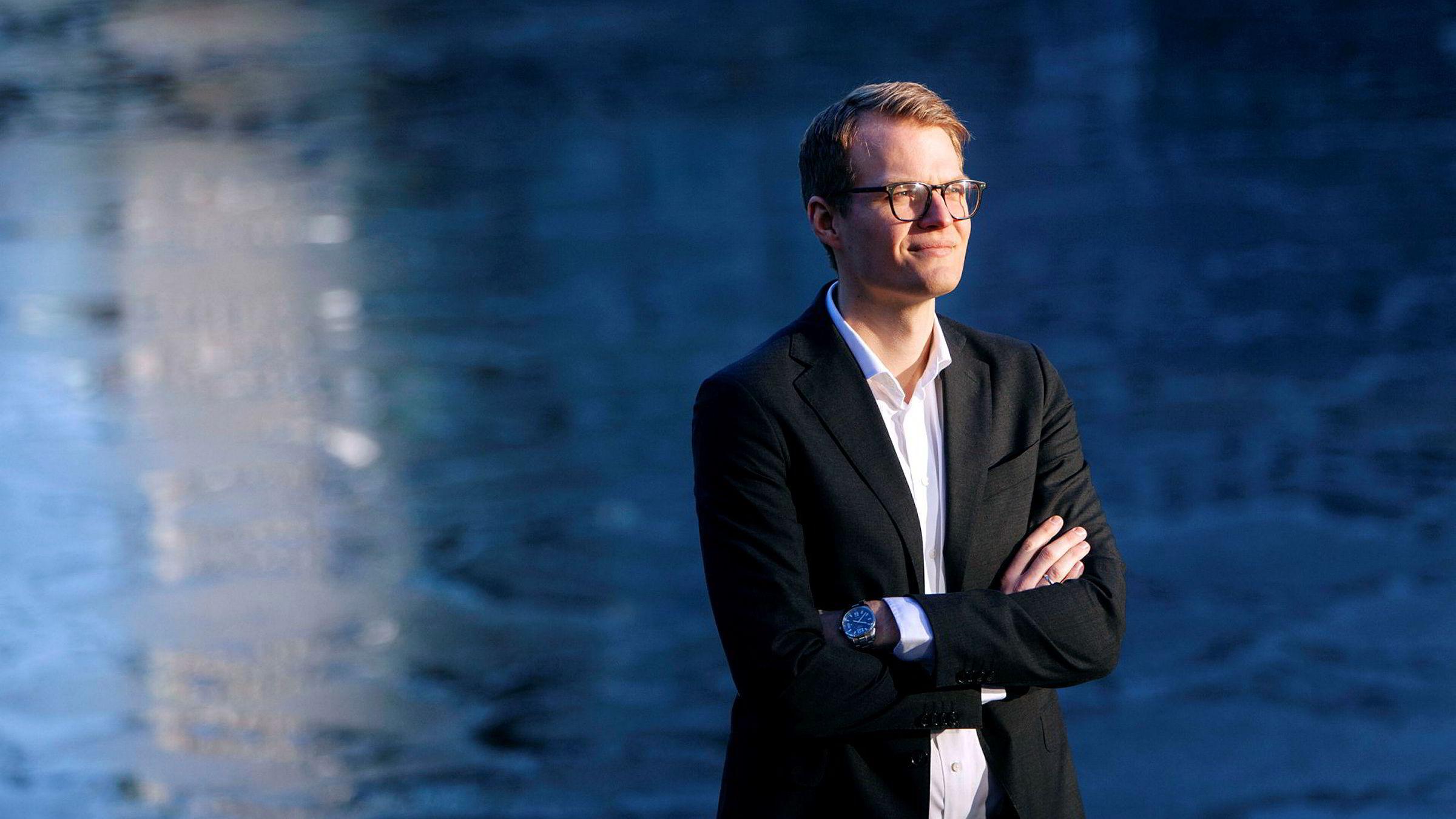 Kjetil Martinsen i Swedbank tror han har forklaringen på hvorfor kronen er så svak.