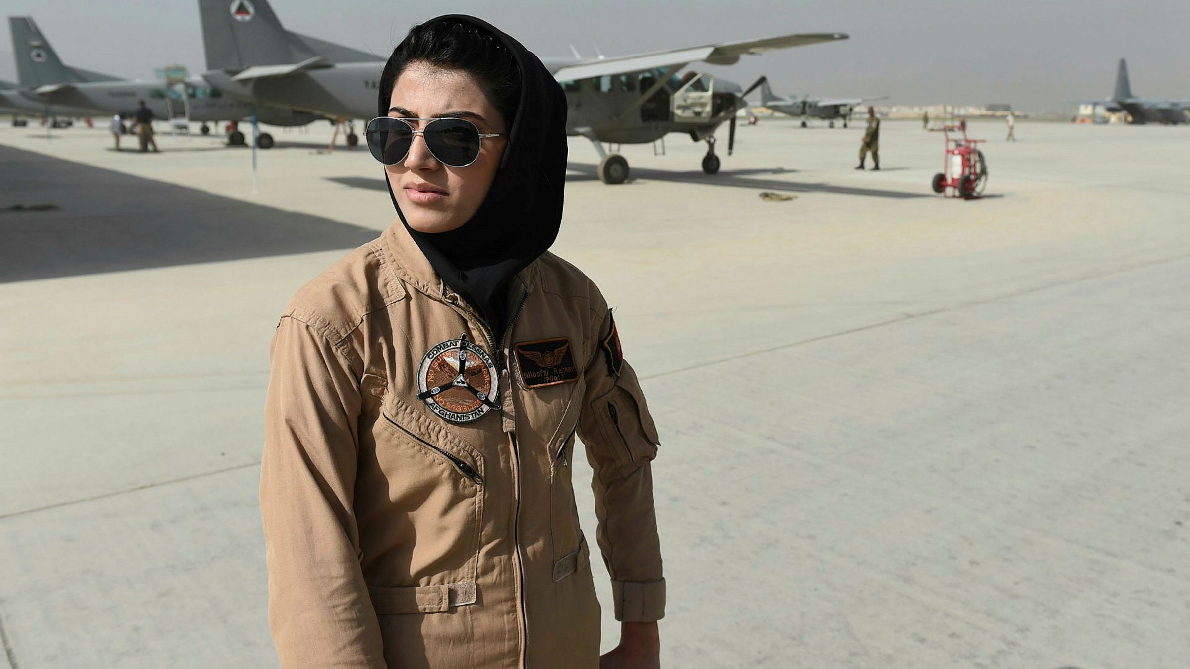 dating kvinnelige piloter Speed dating London Ontario fagfolk