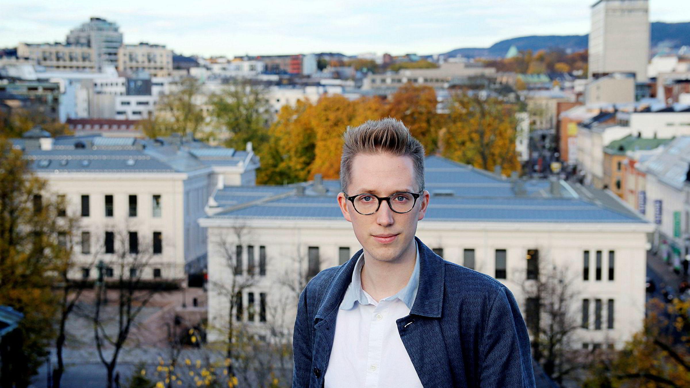 Kristian Tonning Riise opplyste onsdag kveld at han trekker seg som leder av Unge Høyre, et halvt år før perioden hans går ut.