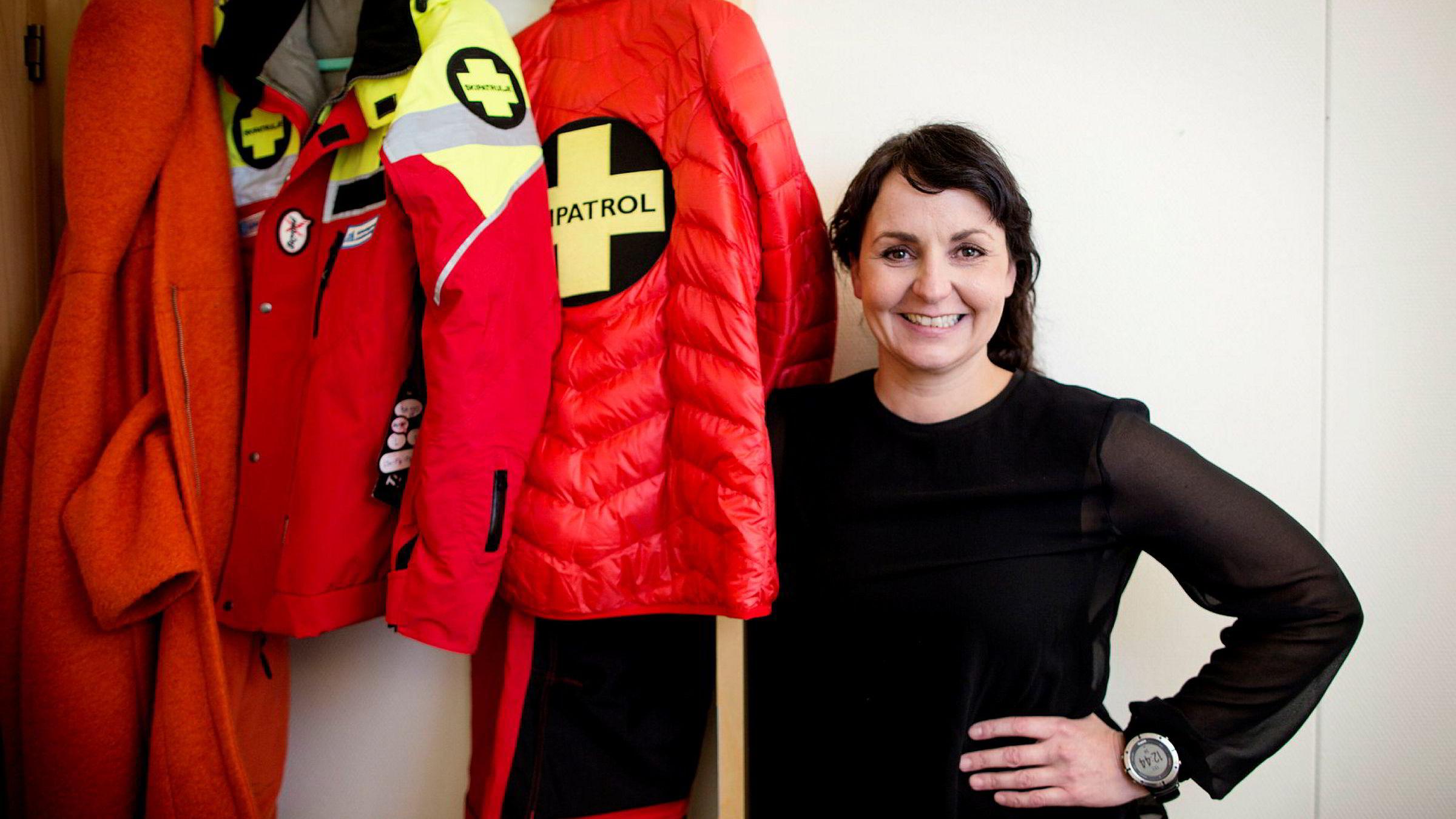 Generalsekretær i Alpinanleggenes Landsforening, Camilla Sylling Clausen, er positivt overrasket over inntektsøkningen i alpinanleggene så langt i vinter.