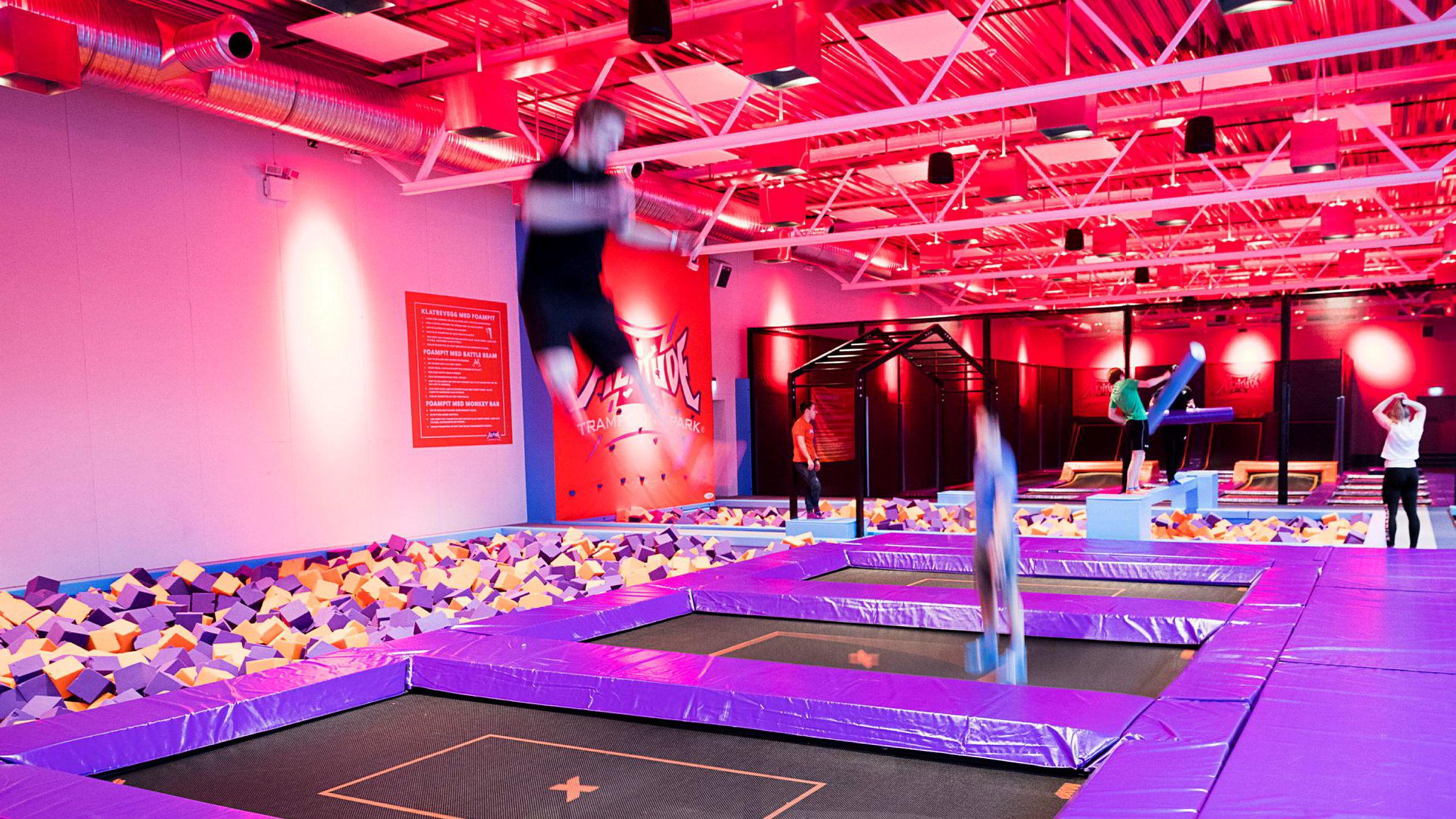 Altitude trampolinepark i Asker har endret egenerklæringen for besøkende etter reaksjoner fra Forbrukerrådet og Direktoratet for samfunnssikkerhet og beredskap (DSB).