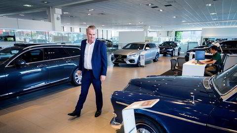 Administrerende direktør i Bilia, Frode Hebnes har levert tidenes beste kvartal. Her i Bilias salgslokaler på Økern i Oslo.