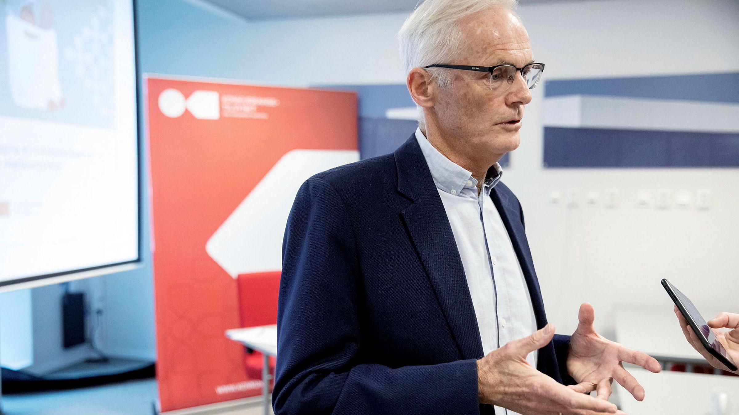 – Vi har vært bekymret for konkurransen i telemarkedet i mange år, sier konkurransedirektør Lars Sørgard.