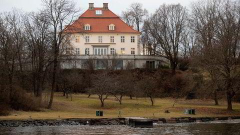 Jens Ulltveit-Moe har solgt Fornebu Hovedgård i Fornebuveien i Bærum kommune.