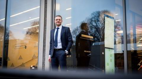Administrerende direktør Jan Erik Kjerpeseth i Sparebanken Vestmener flere burde valgt fastrente. Også han forbereder kundene på høyere rente.