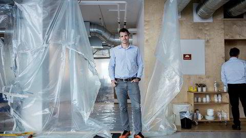 Alexander Woxen er daglig leder i StartupLab, som er i gang med å utvide driften til ny etasje.