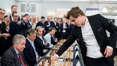 Verdensmester i sjakk Magnus Carlsen, her under et arrangement av hans sponsor Arctic Securities.