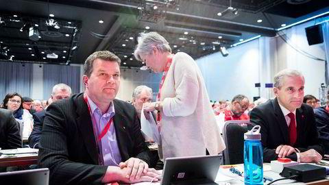 LOs nyvalgte leder Hans-Christian Gabrielsen (til venstre) og Arbeiderparti-leder Jonas Gahr Støre er negative til en boikott av Israel. I midten, avtroppende LO-leder Gerd Kristiansen.