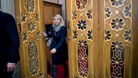Næringsminister Monica Mæland (bildet) bekrefter at urolighetene i Telenor har vært tema i samtaler med styreleder Gunn Wærsted.