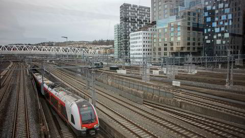 En ansatt i det gamle Jernbaneverket, nå Bane Nor, ga et oppdrag til ekssjefen før karantenetiden var utløpt, ifølge en hemmeligstemplet revisjonsrapport.