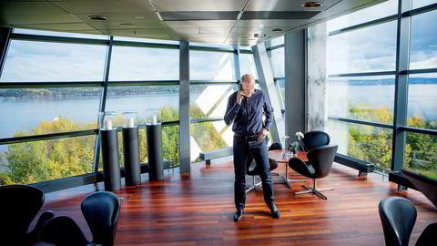 Både Konkurransetilsynet og Eftas overvåkningsorgan Esa har gransket Telenor siden 2012. Telenor-sjef Sigve Brekke vil få en konklusjon fra Esa først neste år.