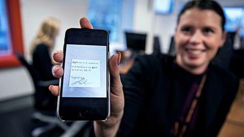 Forretningsutvikler Ina Østensjø måtte fly til Apples hovedkvarter i California for å få godkjent Vipps-appen i tide og fikk en håndskrevet kvittering i retur. I dag har appen nesten to millioner brukere.