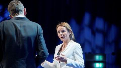 Kulturminister Linda Hofstad Helleland gir seg selv ni dager.