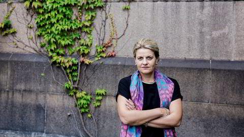 Forbrukerrådets direktør Inger Lise Blyverket mener regjeringen med hastevedtaket går tilbake på sitt eget forslag.