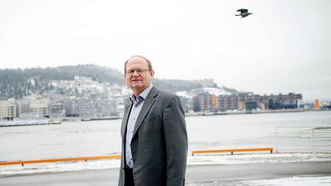 Kredittøkonom Per Einar Ruud i Bisnode sliter med å finne en god forklaring på den kraftige økningen i antall konkurser.