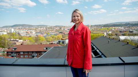 Astri Syse er seniorforsker i SSB og leder de nasjonale befolkningsfremskrivningene. Hun tror fruktbarheten til norske kvinner vil holde seg lav fremover, blant annet som følge av koronapandemien.