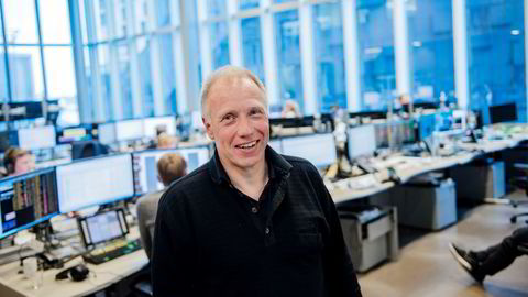 Aksjestrateg Kristian Tunaal i DNB Markets tror at høyere oljepris og lavere kostnader kan føre til mange nye kontrakter for Kværner.