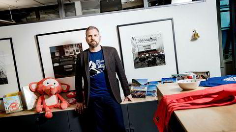 Håkon Haugan er sjef for NRK aktivum, som forvalter NRKs kommersielle virksomhet, deriblant sponsorinntekter. Konkurrentene reagerer på at NRK gjennom sponsorat reduserer reklamepotten som er tilgjengelig for dem. Foto: Fartein Rudjord