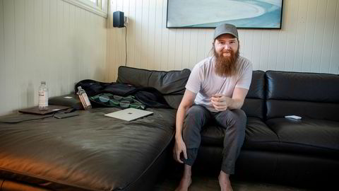 – Jeg har ingen yacht eller Porsche stående utenfor, sier David Sønstebø (30), som har bygget opp en massiv formue på kryptovaluta.
