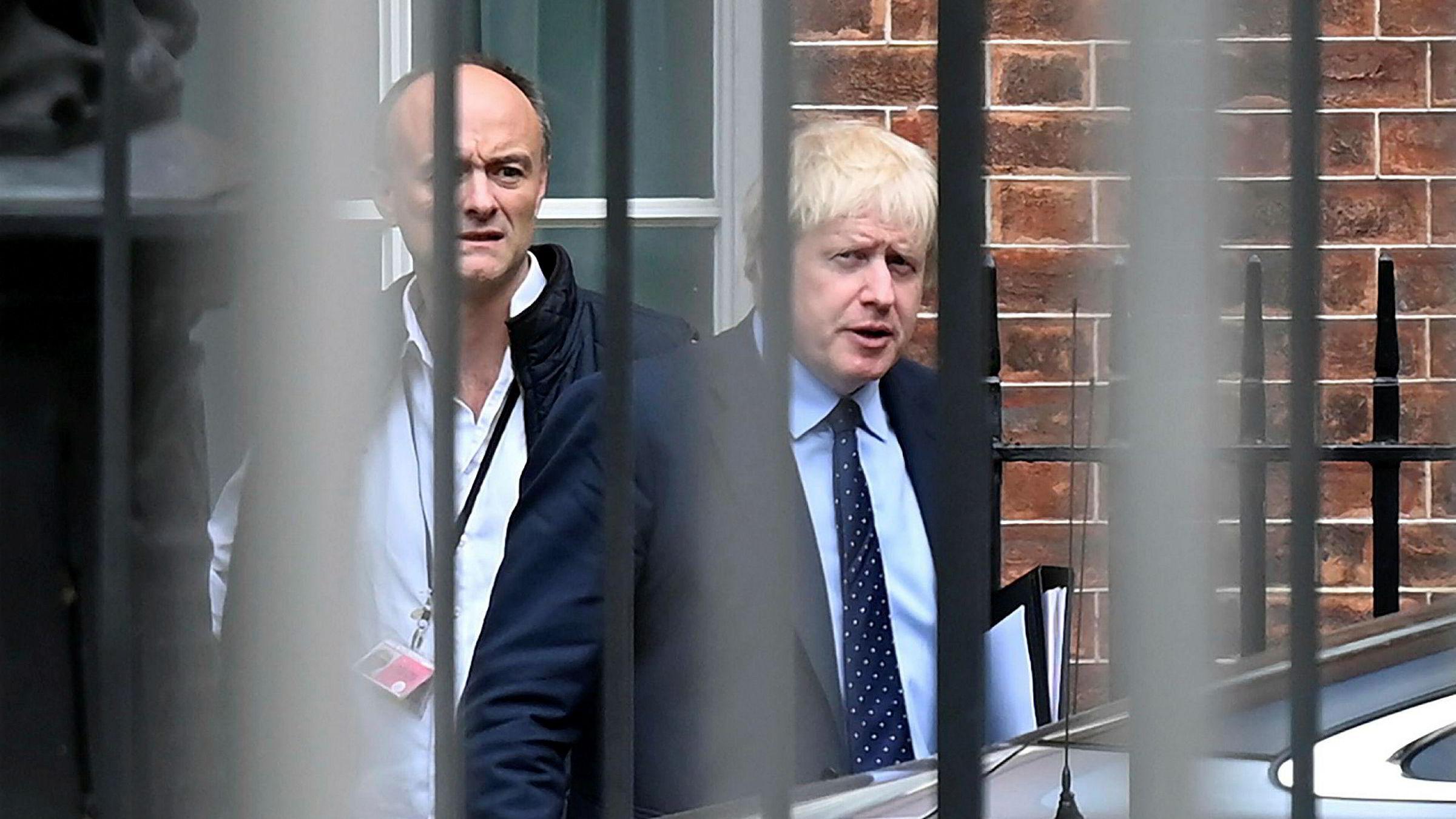 Statsminister Boris Johnson og rådgiver Dominic Cummings undervurderte det folkelige raseriet etter at Cummings laget egne karanteneregler for seg selv.