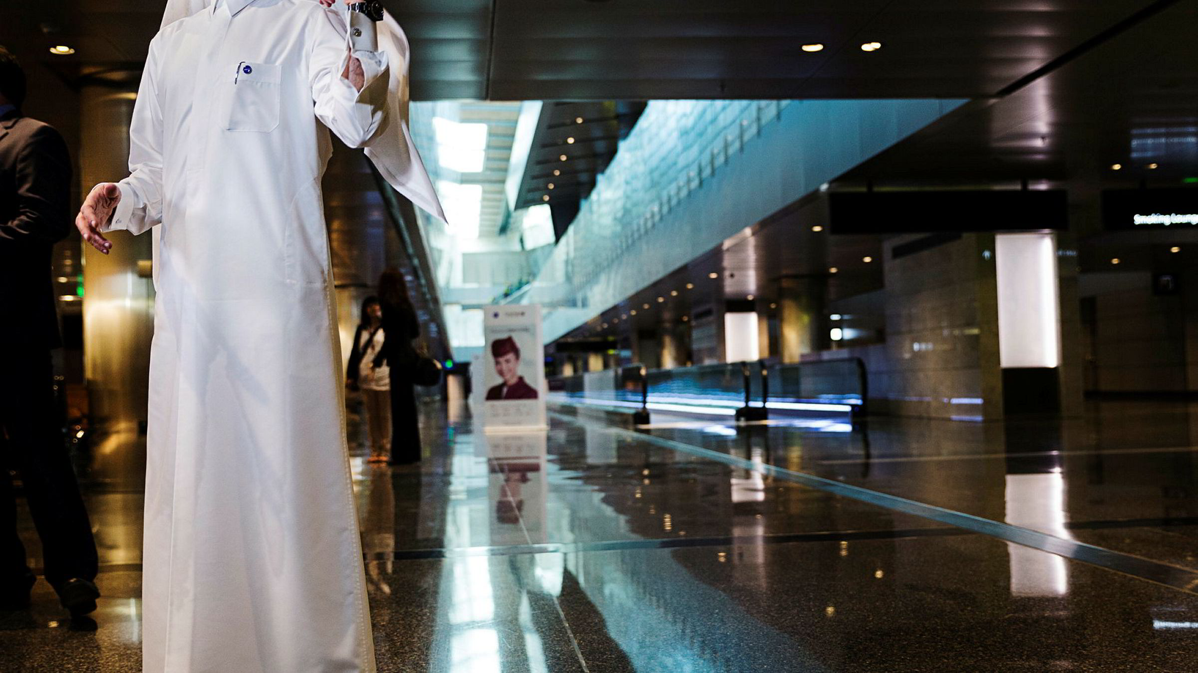 Toppsjef Akbar Al Baker i Qatar Airways, største eier i International Airlines Group og British Airways, sier en kvinnelig toppsjef i flybransjen er feil. Her fra hovedflyplassen i Doha i Qatar i 2013.