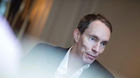 Gründer og hovedeier Erik Egenæs i The Nordic Group har mistet tre styremedlemmer på kort tid i fjor. Kort tid etter ble selskapet varslet om at konsesjonen til Nordic Securities var i fare.