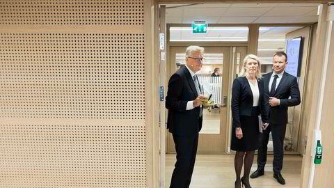 DNBs finansdirektør Kjerstin Braathen skal legge frem nye finansielle mål i London tirsdag. Her er hun sammen med konsernsjef Rune Bjerke og kommunikasjonsdirektør Thomas Midteide.