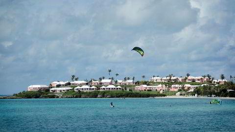 Kitesurfing er en populær virksomhet på Bermuda. En annen er å sluse penger via øya for å unngå skatt.