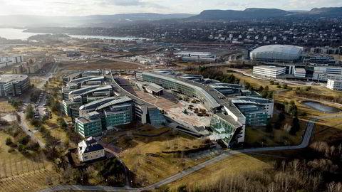 Telenors hovedkontor på Fornebu består av 198.000 kvadratmeter bygningsmasse og kostet 4,2 milliarder å bygge.