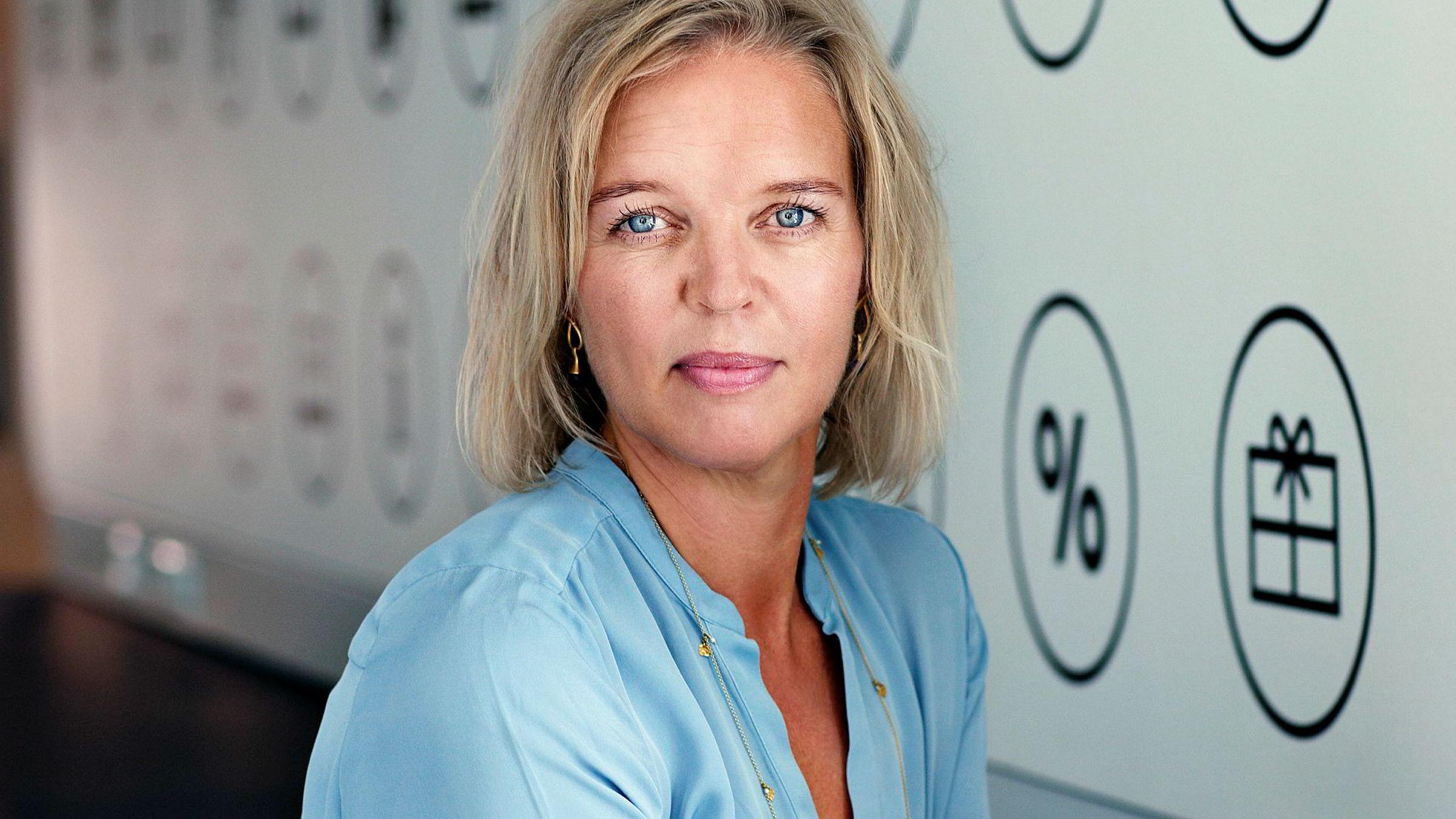 Konsernsjef Pernille Erenbjerg i TDC overrasket markedet i forrige uke med en gigantisk tv-fusjon. Nå må hun kjempe mot budgivere som vil kansellere avtalen.