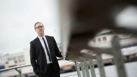 Seniorøkonom Marius Gonsholt Hov i Handelsbanken Capital Markets mener grunnen til at ledigheten har vært ganske stabil gjennom 2016 er at arbeidsstyrken utvikler seg enda svakere.