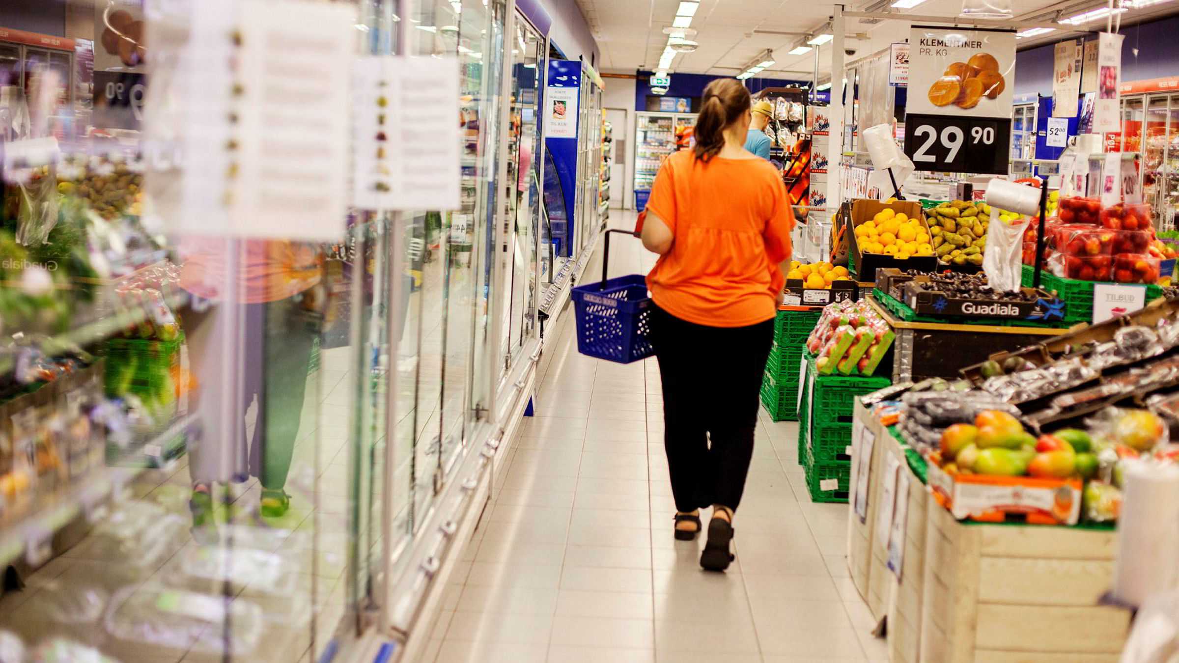 Dagligvareekspert Sigmund Festøy mener at de nye matbutikkene nå virkelig begynner å ta volum fra lavpriskjedene.