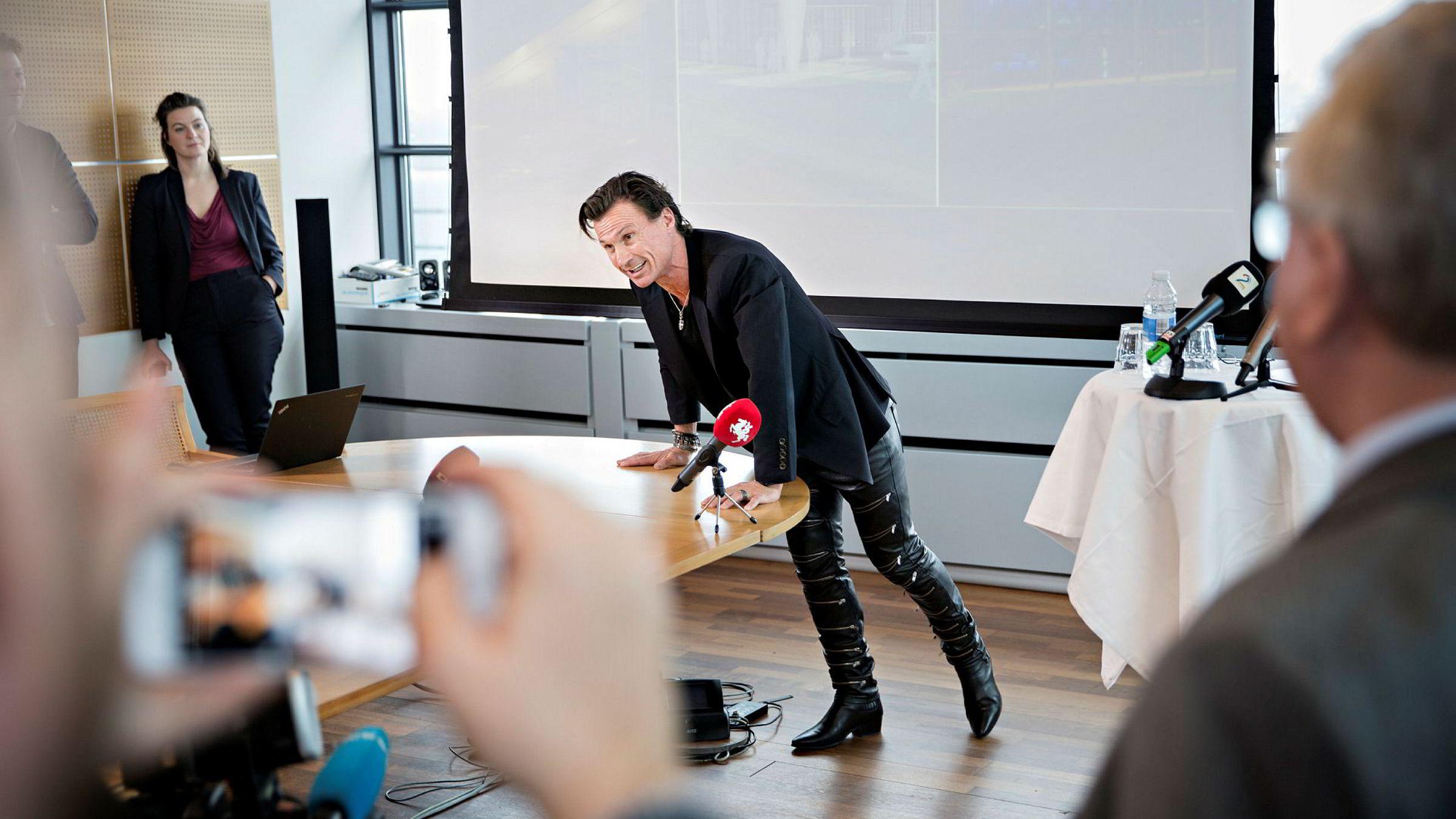 Nordic Choice-eier Petter Stordalen kritiserer Avinors hotellavtale med Rezidor på Gardermoen. Her fra pressekonferansen på Kastrup tirsdag 31. januar i forbindelse med Stordalens nye hoteller ved flyplassen.