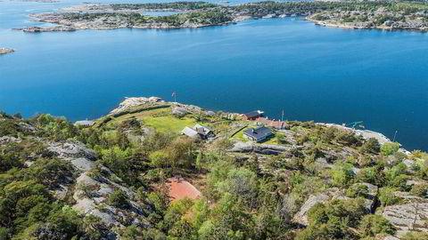Jacob Stolt-Nielsen sikret seg Slevik Skanse på Onsøy utenfor Fredrikstad for 48 millioner kroner i fjor. Eiendommen er utstyrt med blant annet tennisbane og dypvannsbrygge
