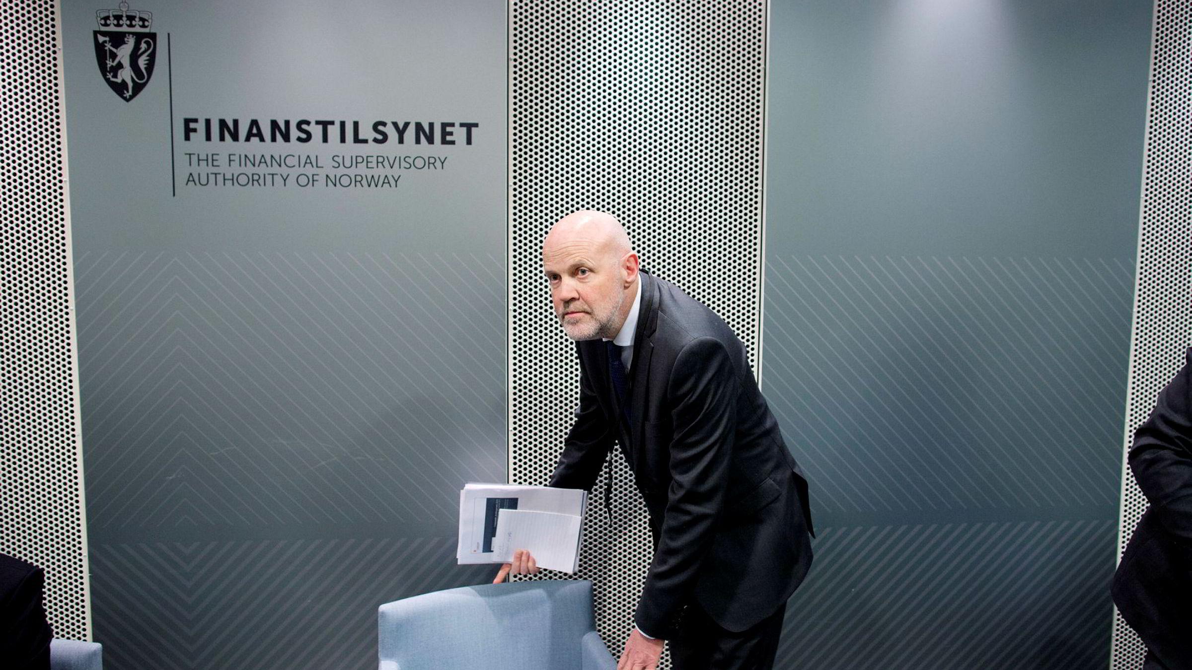 Finanstilsynsdirektør Morten Baltzersen legger frem «Finansielle utviklingstrekk 2016», onsdag.