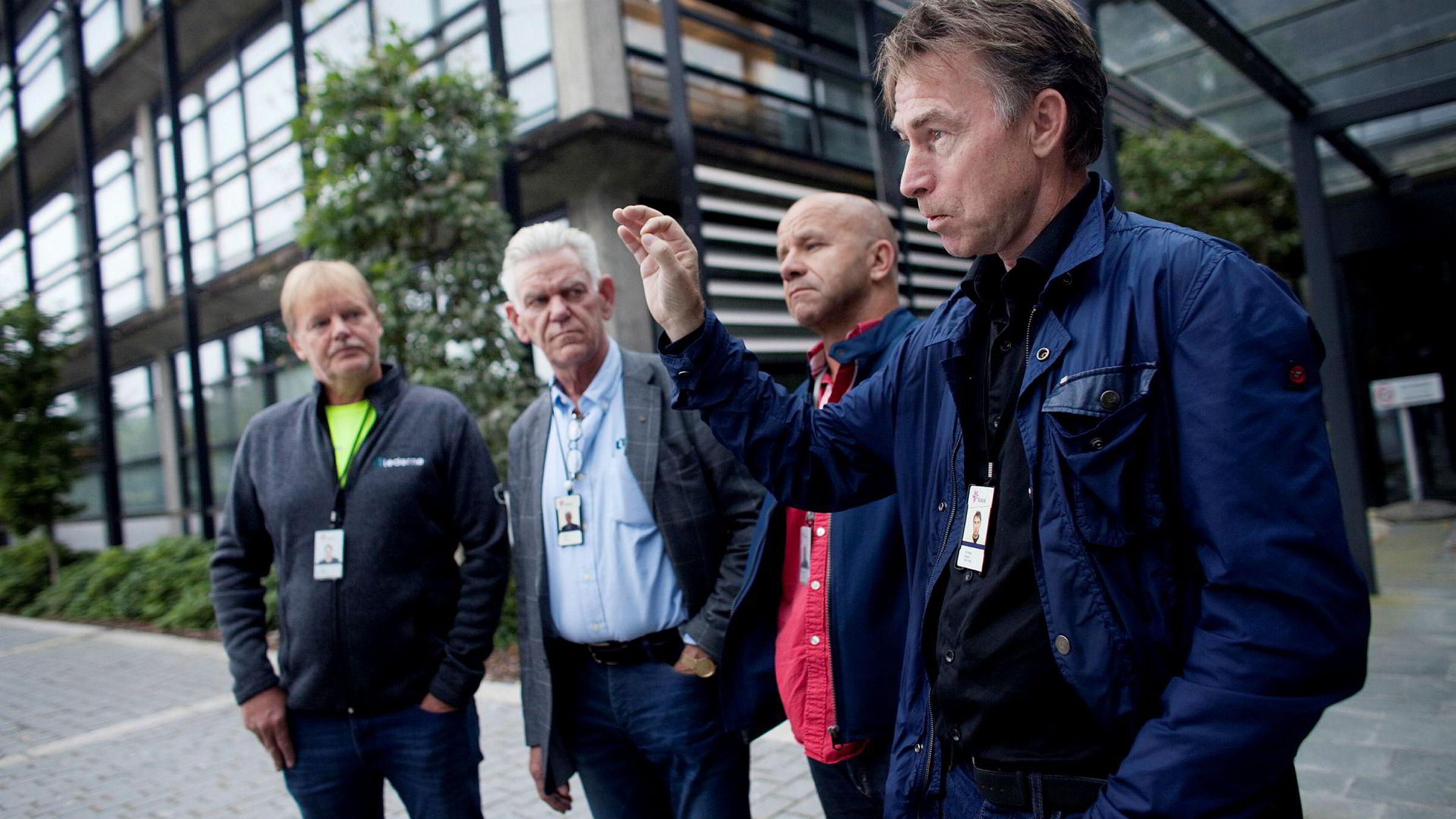 Tillitsvalgte for nordsjøarbeiderne i Statoil er motstandere av selskapets planlagte offshore-nedbemanning, her ved Terje Herland, Christer Olsson, Hans Fjære Øvrum og Per Helge Ødegård fra YS.