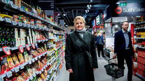 Direktør i Forbrukerrådet Inger Lise Blyverket mener avtaler om variabel strømpris verken er forbrukervennlige eller prisgunstige.