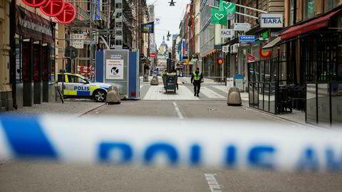 Drottninggatan er fortsatt sperret av etter fredagens angrep i Stockholm.