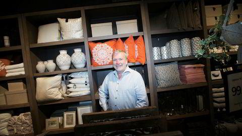 Øivind Tidemandsen har selv tatt rollen som daglig leder i for kjeden Home & Cottage. Her i butikken på CC Vest.