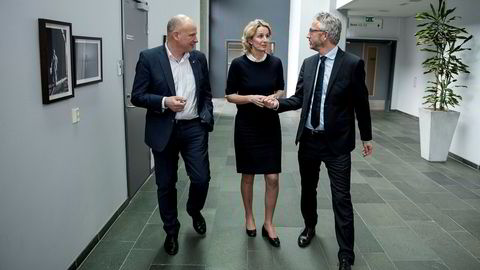 Statoils sjef for norsk sokkel Arne Sigve Nylund (til venstre) holdt torsdag en klimapressekonferanse sammen med fornybarsjef Irene Rummelhoff og klimadirektør Bjørn Otto Sverdrup. Samtidig falt oljeprisene.