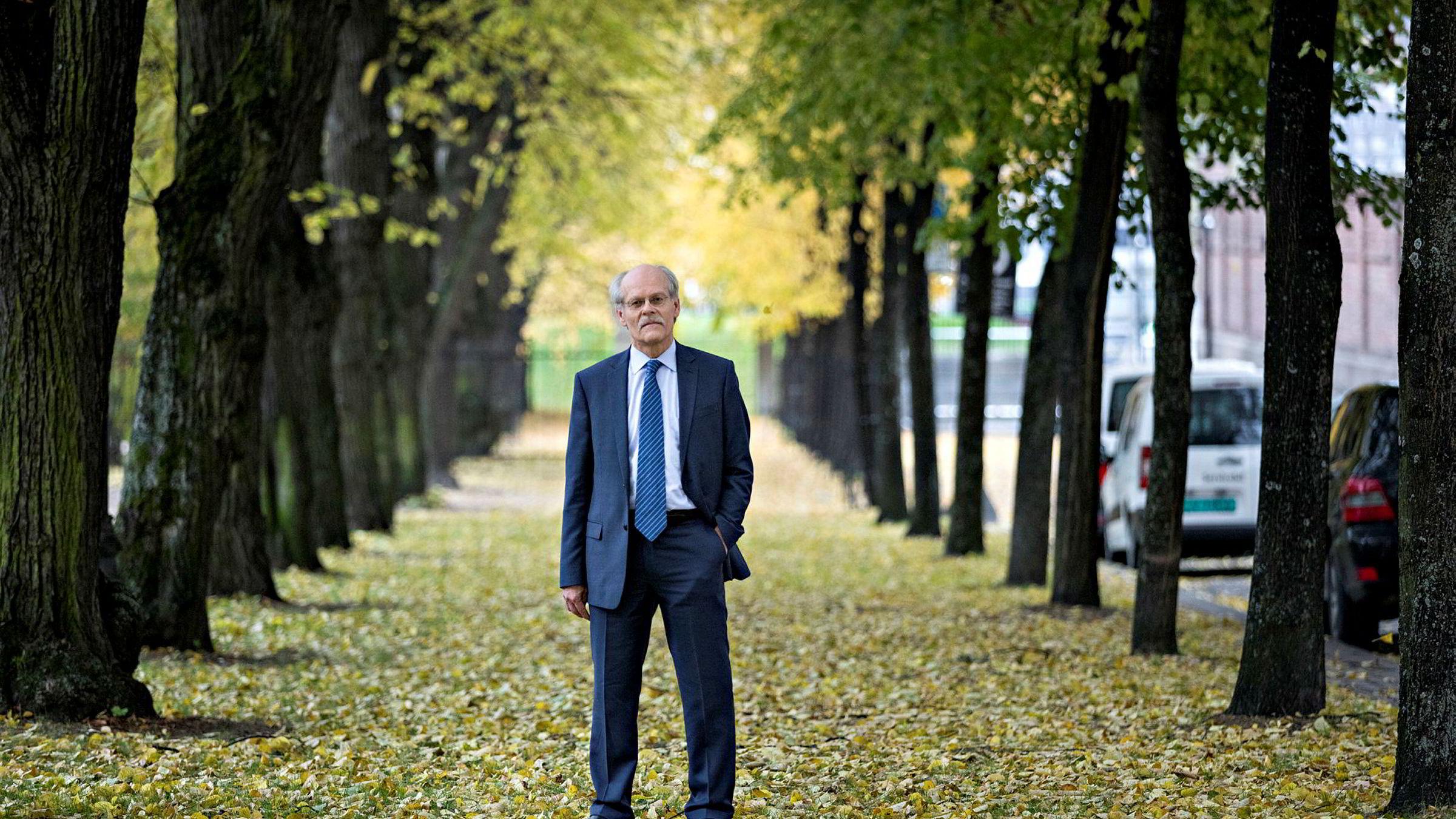 Sveriges sentralbanksjef Stefan Ingves er bekymret for gjeldsutviklingen i Sverige.