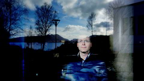 Førsteamanuensis Trond Døskeland ved Norges Handelshøyskole foreslår at forbrukslånsbanker betaler mer for innskuddsgarantien enn andre banker. Foto: