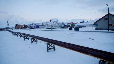Permafrosten på Svalbard varmes opp raskere enn noen gang. Bildet er fra Longyearbyen.