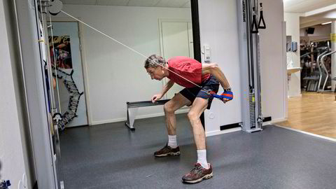 Den gamle verdensmesteren i skiflyvning Walter Steiner (64) er en av dem som har perfeksjonert sin spesielle stakestil gjennom styrketrening med tunge vekter med maks kraft, i satsingen mot veteranrenn. Steiner er ikke knyttet til studien.