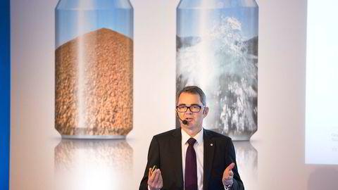 Med 13,5 millioner kroner i samlet godtgjørelse er Hydros konsernsjef Svein Richard Brandtzæg fortsatt en av landets best betalte toppledere.