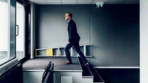Advokatfullmektig Kristoffer Sivertsen i advokatfirmaet Magnus Legal frykter at arbeidsgiverne snor seg unna fortrinnsretten når de ansetter igjen. Selskaper som ikke er bevisst på problemstillingen risikerer også å skape masse trøbbel for seg selv.