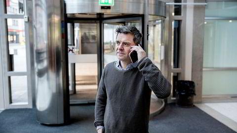 Sjefredaktør Espen Egil Hansen i Aftenposten frykter konsekvensene hvis det blir lagt strenge begrensninger på telefonsalg av avis- og magasinabonnement.