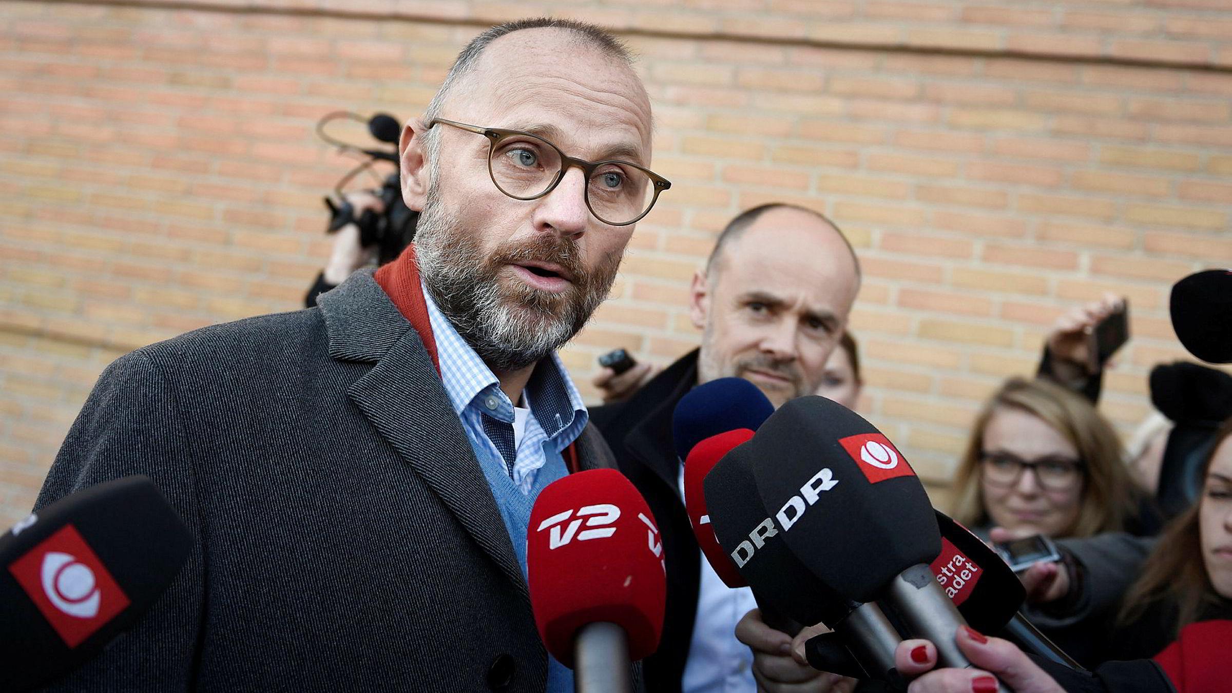 Tidligere sjefredaktør i danske Se og Hør, Henrik Qvortrup, etter domsavsigelsen i retten i Glostrup torsdag.